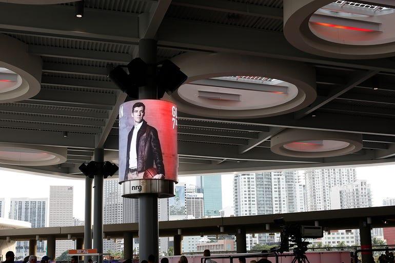 XFINITY East Plaza, Miami (daylight)