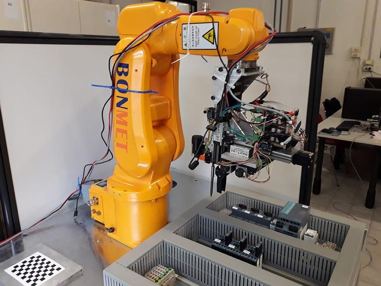 Wiring Robot