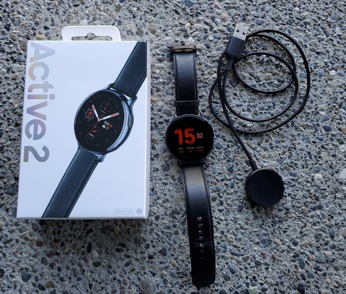 Galaxy Watch Active 2 and box contents