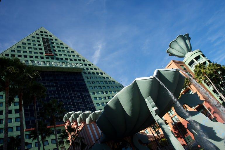 dolphin-hotel-lotusphere-20126719572287l.jpg