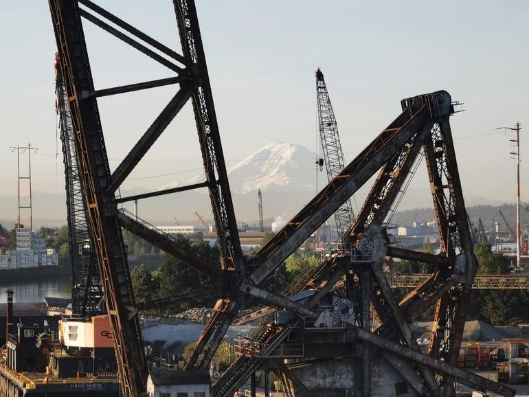 Mt Rainier through the bridge