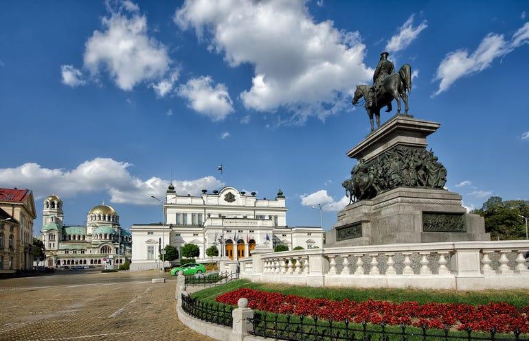 bulgarian-parliament-square.jpg