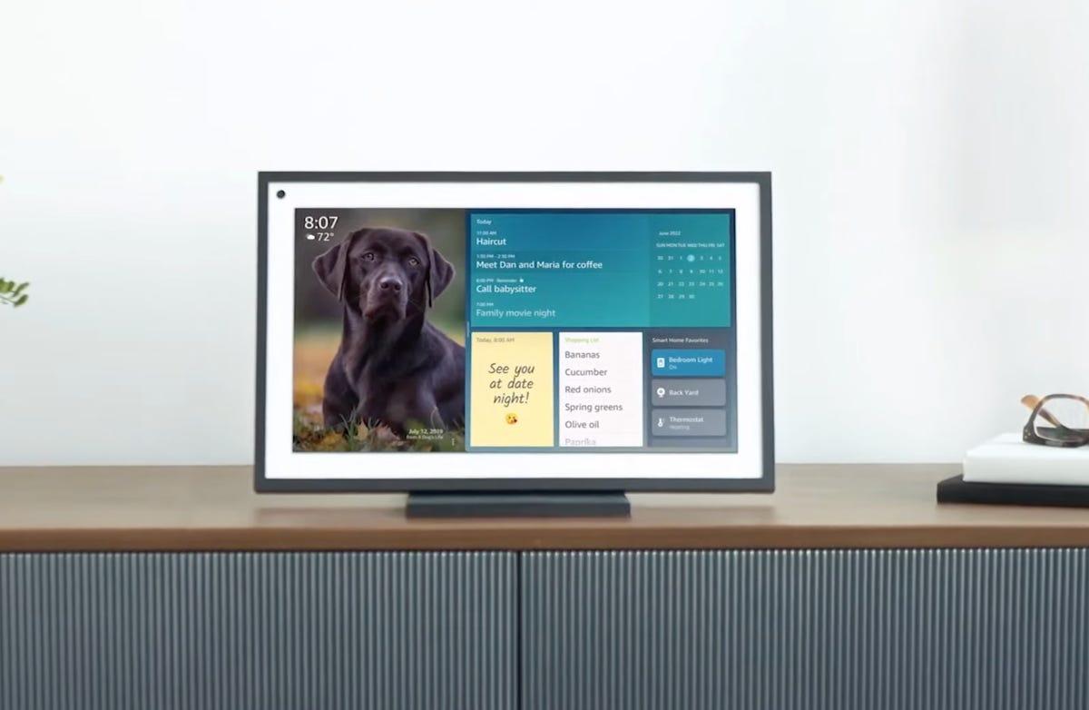 Amazon dévoile l'Echo Show15, et ses nombreuses ambitions domotiques