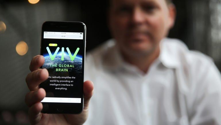 man-holding-viv-phone.jpg