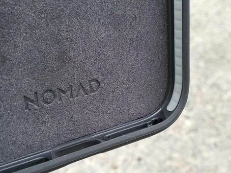 nomad-magsafe-iphone-12-2.jpg