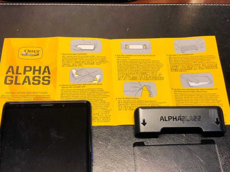 Alpha Glass package contents