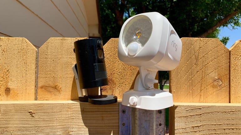 ring-smart-lighting-spotlight-vs-stick-up-cam-battery.jpg