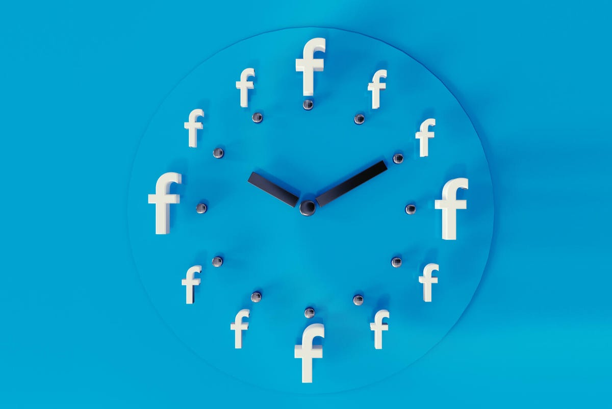facebook-time-shutterstock-280073456.jpg