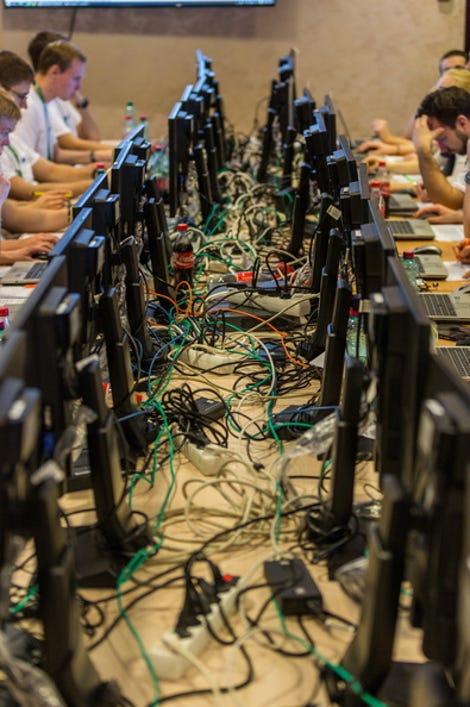 04-cyberwarfare.jpg