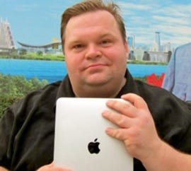 Mike Daisey gets caught lying about Foxconn, incinerates career - Jason O'Grady