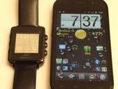 07 MetaWatch Nexus S side by side