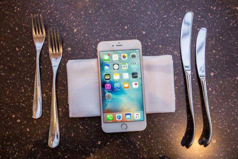iphone-lunch.jpg