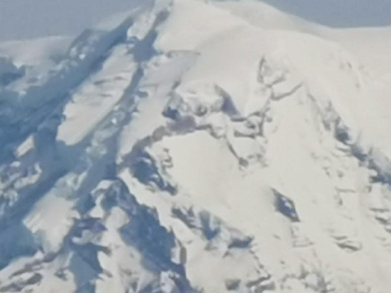 50x digital zoom of Mt Rainier