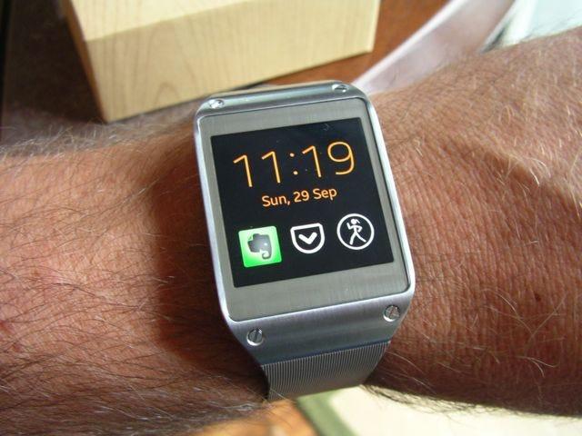 Galaxy Gear on the wrist