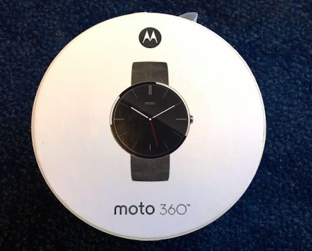 Moto 360 retail package