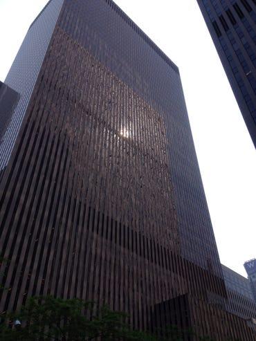 bangunan-6th-ave-nyc-photo-by-joe-mckendrick.jpg