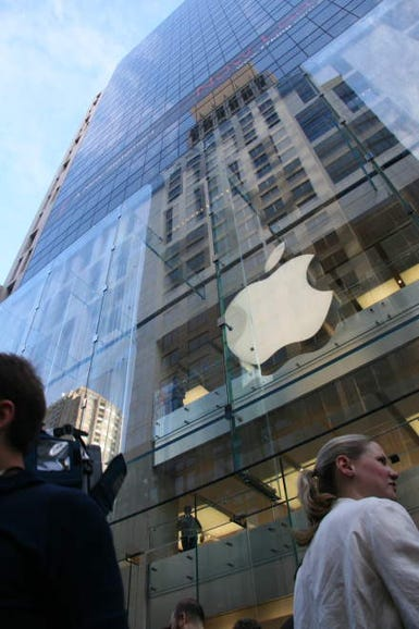 photos-inside-apples-sydney-store1.jpg