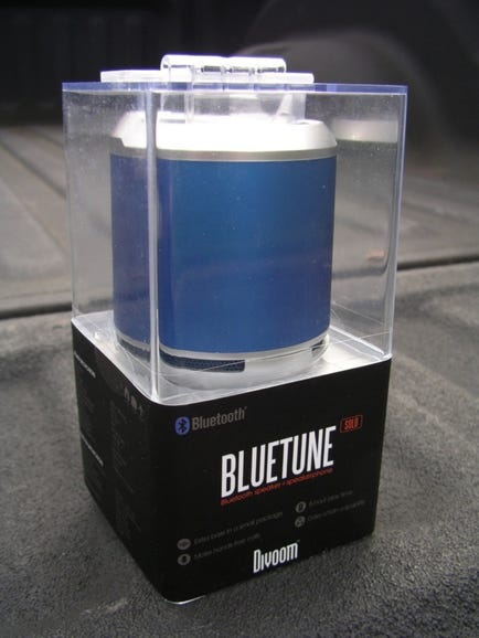 Retail package of the blue color speaker