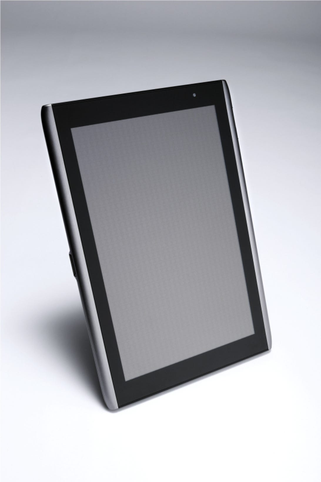 40153865-8-acer-android-tablet-610-pic4.jpg