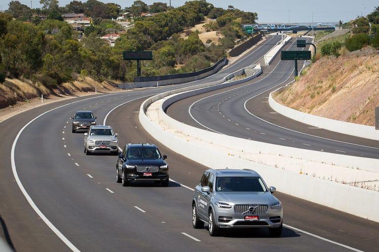 volvo-driverless-cars-road.jpg