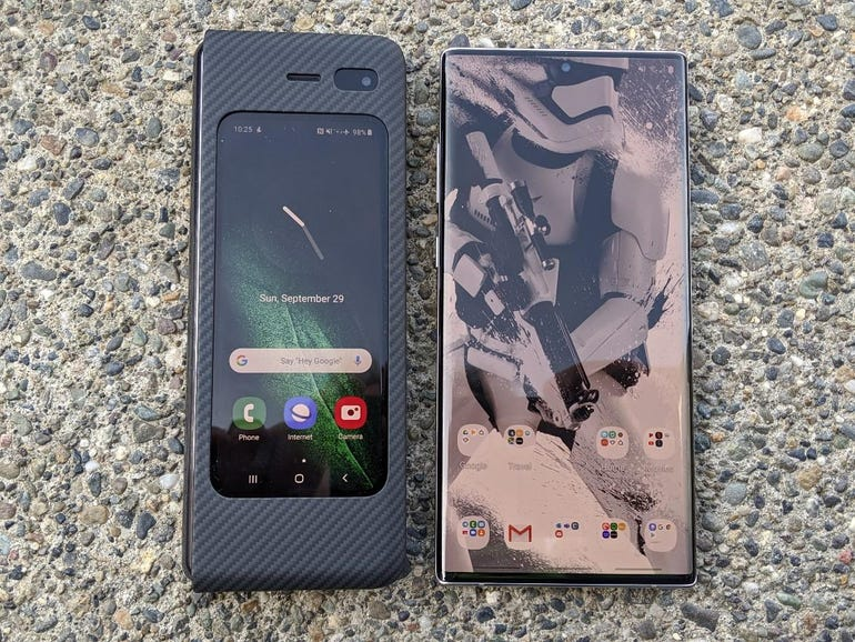 Closed Galaxy Fold vs Galaxy Note 10+