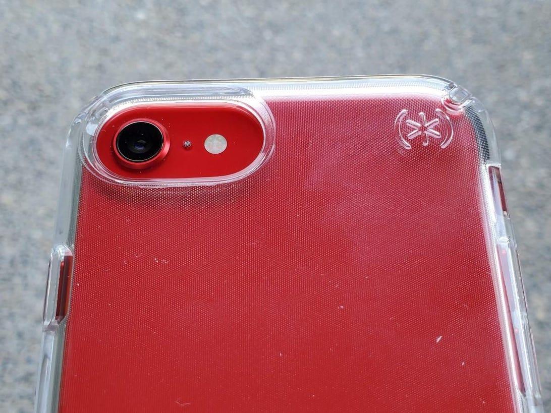 speck-iphone-se-2.jpg