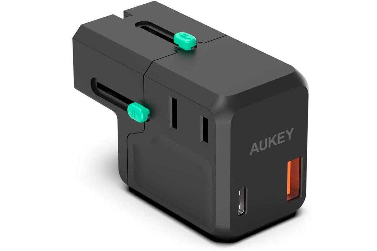 AUKEY Universal Travel Adapter