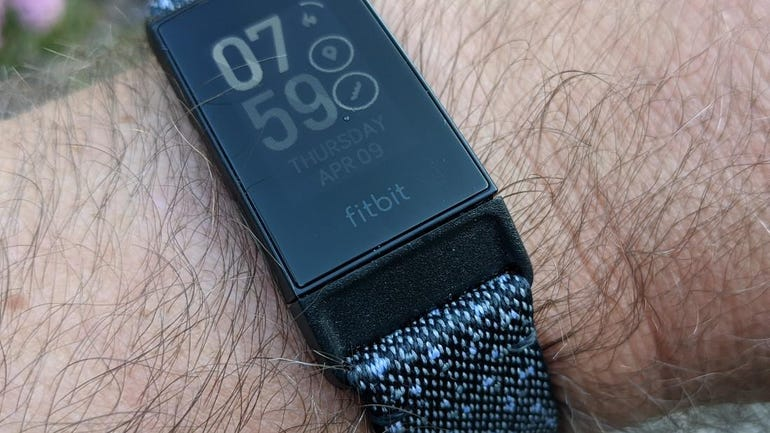 fitbit-charge-4-15.jpg