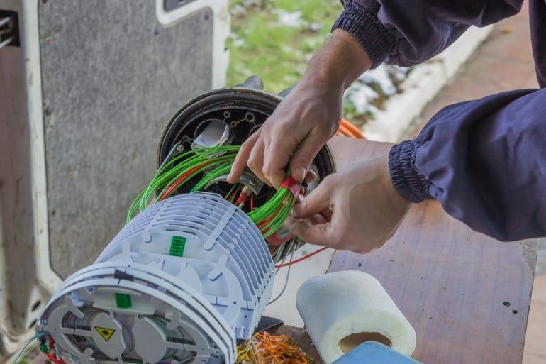 01-fiber-cables-istock-eyjafjallajokull.jpg