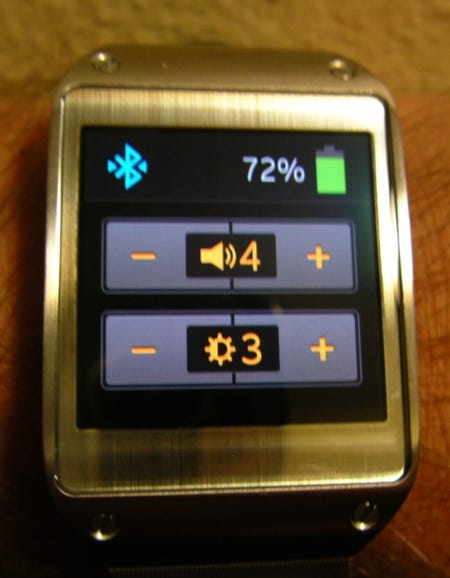 Double finger tap brings up the status display