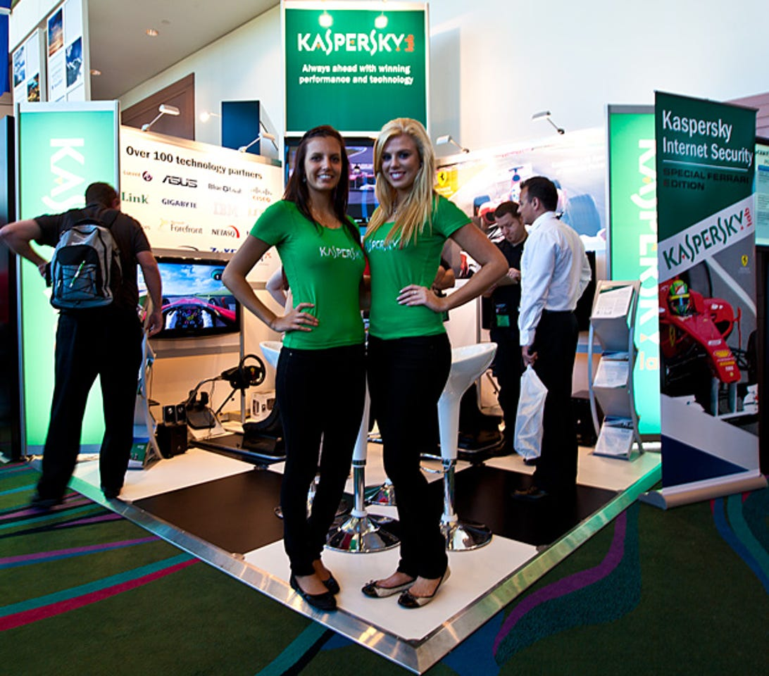 auscert-2011-booth-babes-and-all-pics7.jpg