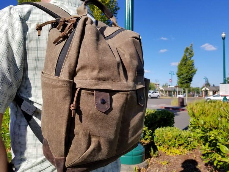 waterfield-bolt-backpack-1.jpg