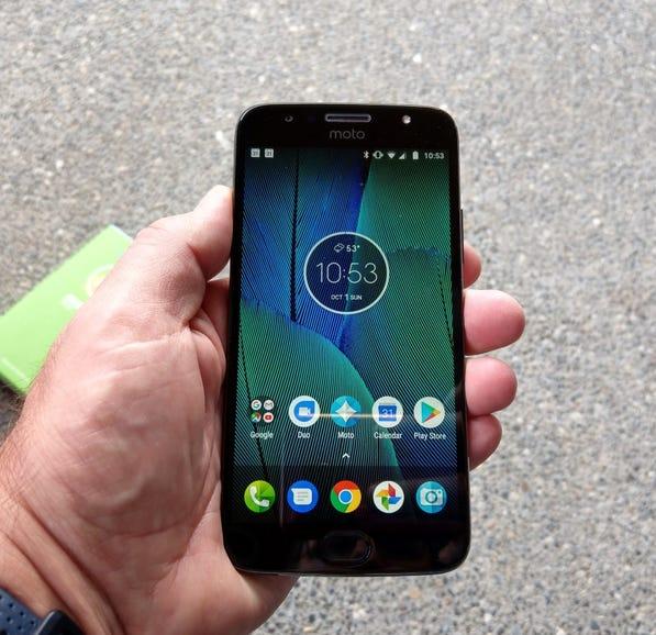 Moto G5S Plus in hand