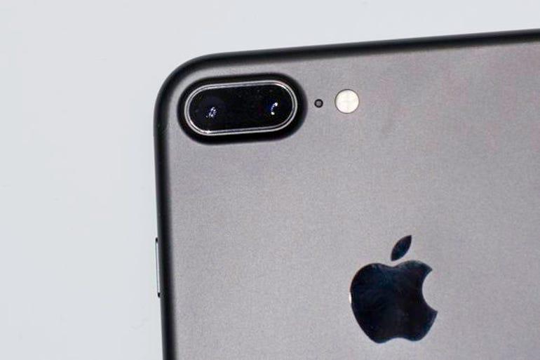 090716-apple-iphone-7-plus-black-6967.jpg