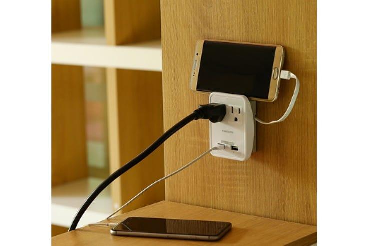 Poweradd worldwide travel charger