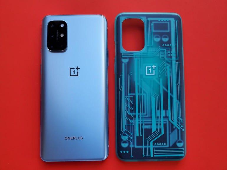 OnePlus 8T and Quantum Bumper Case in Cyborg Cyan