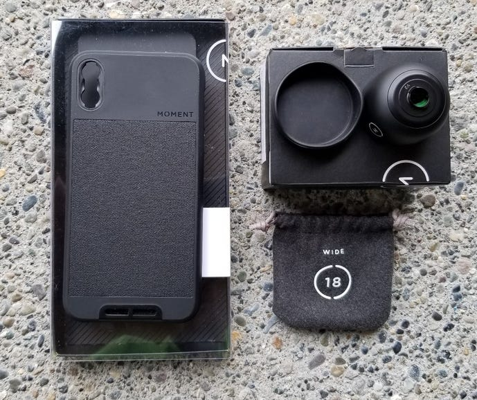 Moment wide-angle lens and case for iPhone X