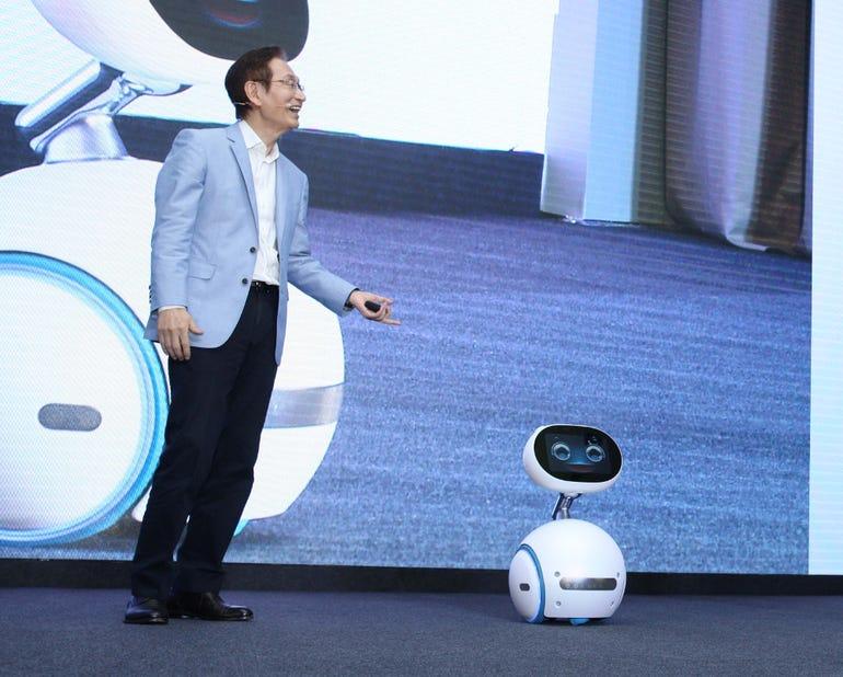 ASUS Chairman Jonney Shih and Zenbo robot