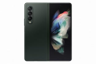 z-fold-3-in-phantom-green.jpg