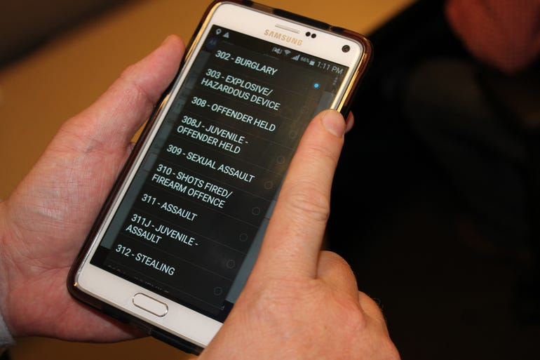 mobile-intelligence-client-offences-screen-low-res.jpg