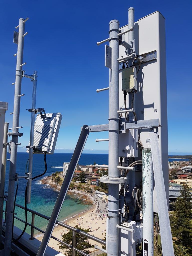 vodafone-massive-mimo-radio-antenna.jpg