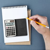 deli-mini-standard-function-calculator.jpg