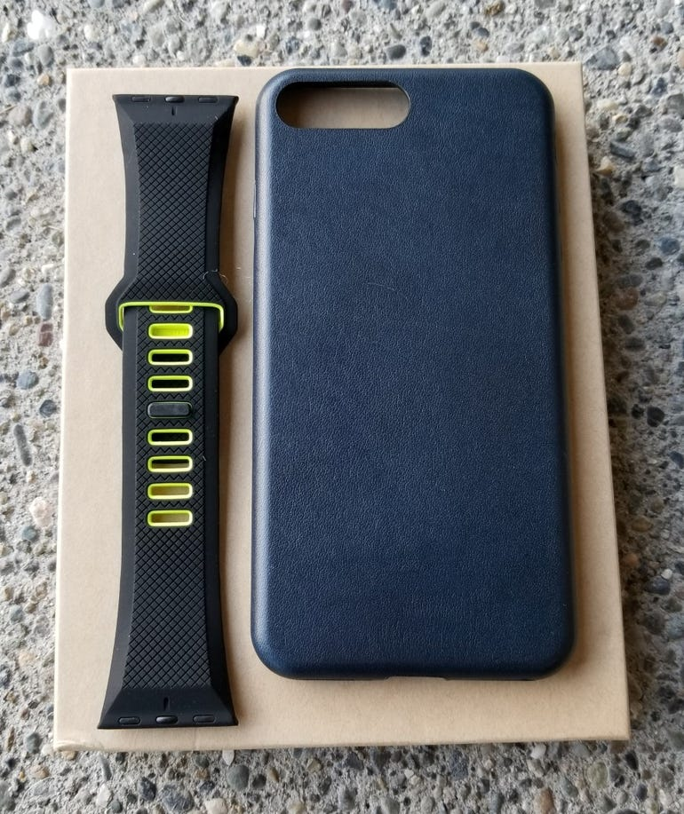 nomad-iphone-aw-strap-2.jpg