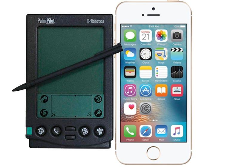 palm-vs-iphone-se.jpg