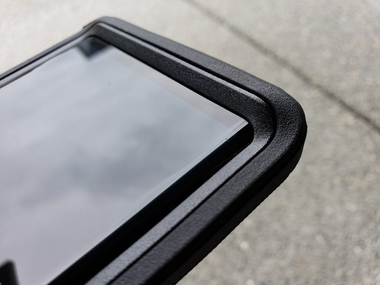 Note 9 in the OtterBox Defender