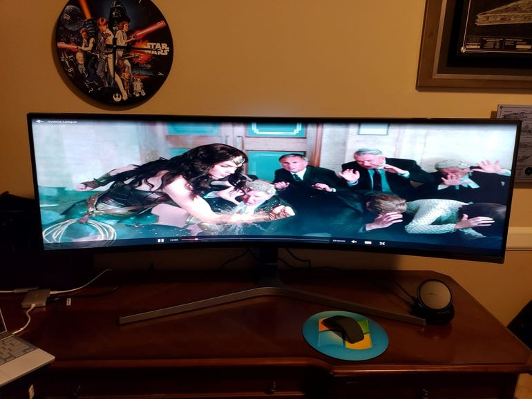 Playing a movie from the Pixelbook