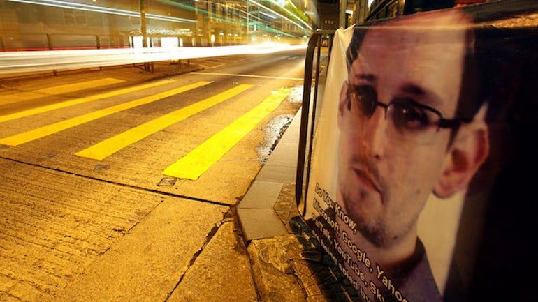 30_Snowden_r_w