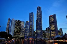 Can Singapore.com be regulated on trust?