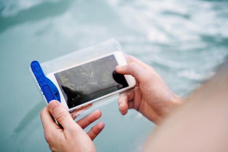 WaterSeals Magnetic Waterproof Pouch