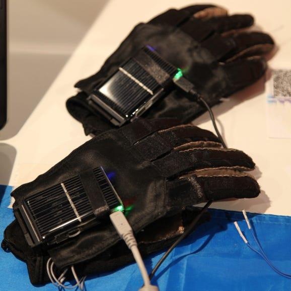 Quadsquad team Ukraine EnableTalk gloves